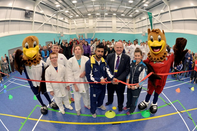 /media/news/library/af_001_qac_sports_hall_opens-small.jpg